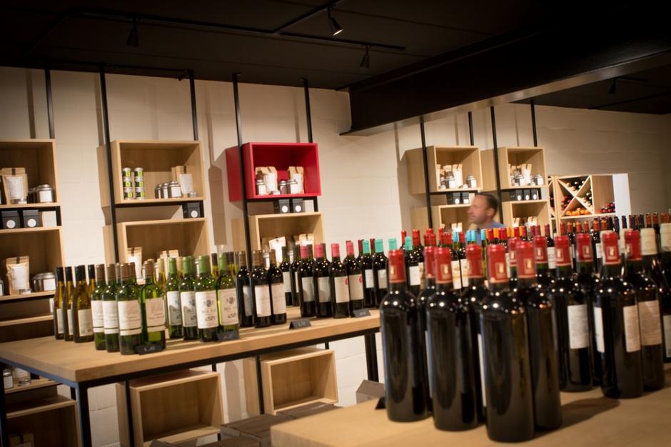 Wees welkom op onze wijndegustatie! Weet je weinig van wijn maar ben je benieuwd naar wat we te bieden hebben? Dan zien we je even graag komen.