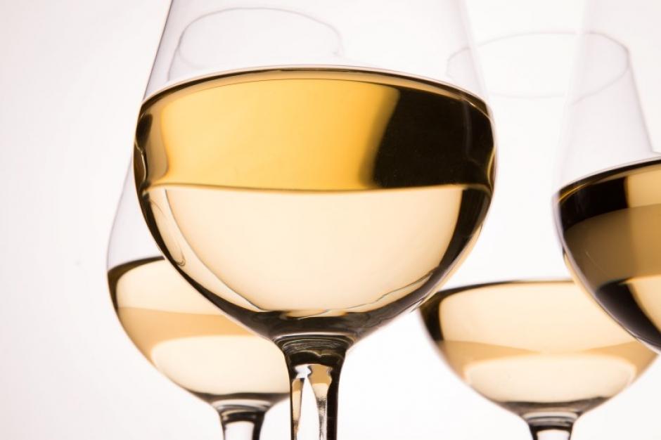 Ons assortiment witte wijn bevat naast droge witte wijn tevens ook zoete witte wijn.