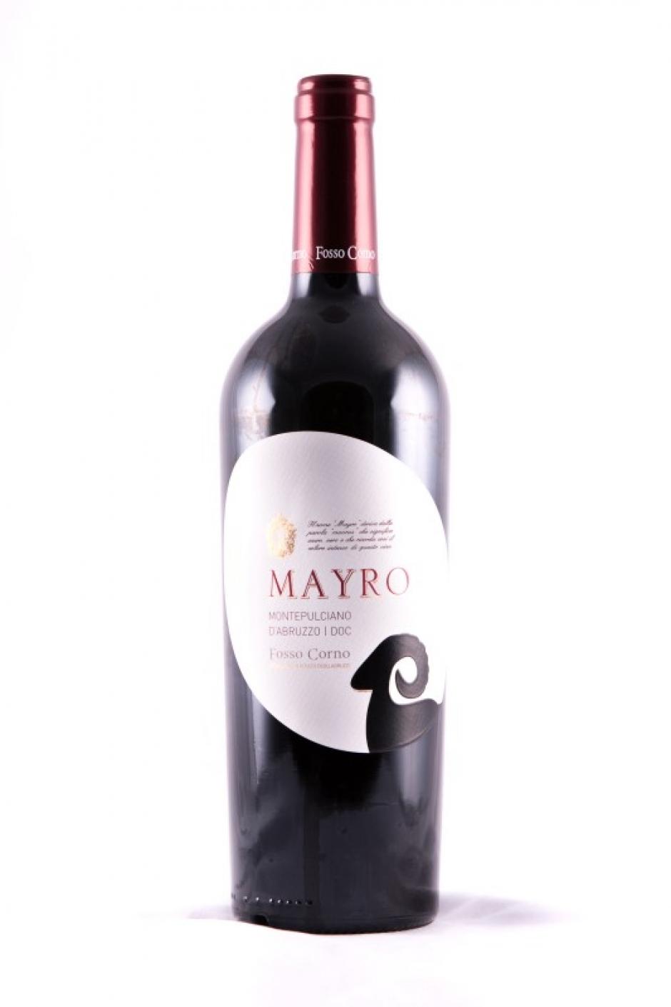 Om keuze zitten we alvast niet verlegen: in onze wijnzaak vind je een uitzonderlijk uitgebreide selectie rode wijn uit alle windstreken.